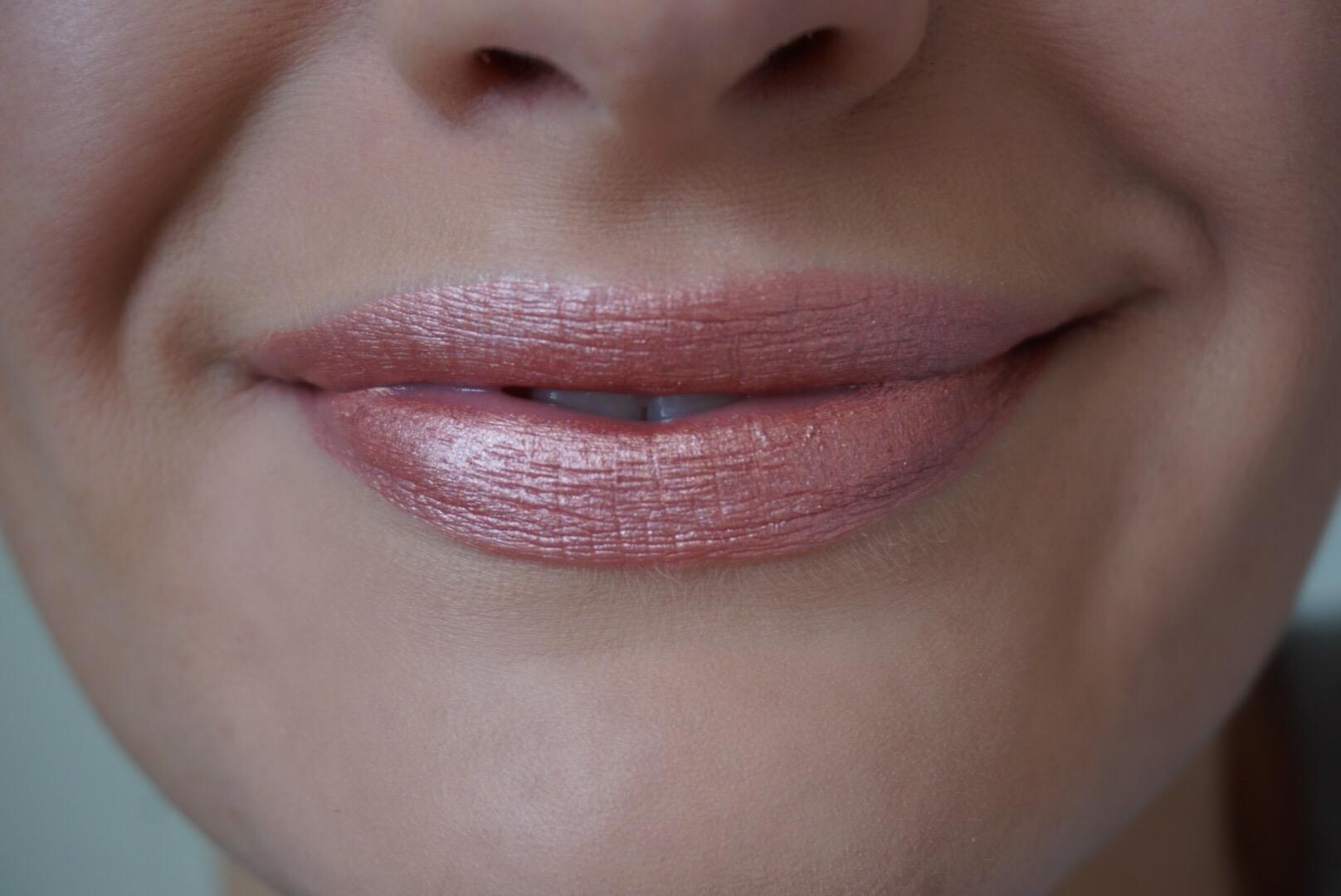 Jouer Lip Creme Swatch Praline