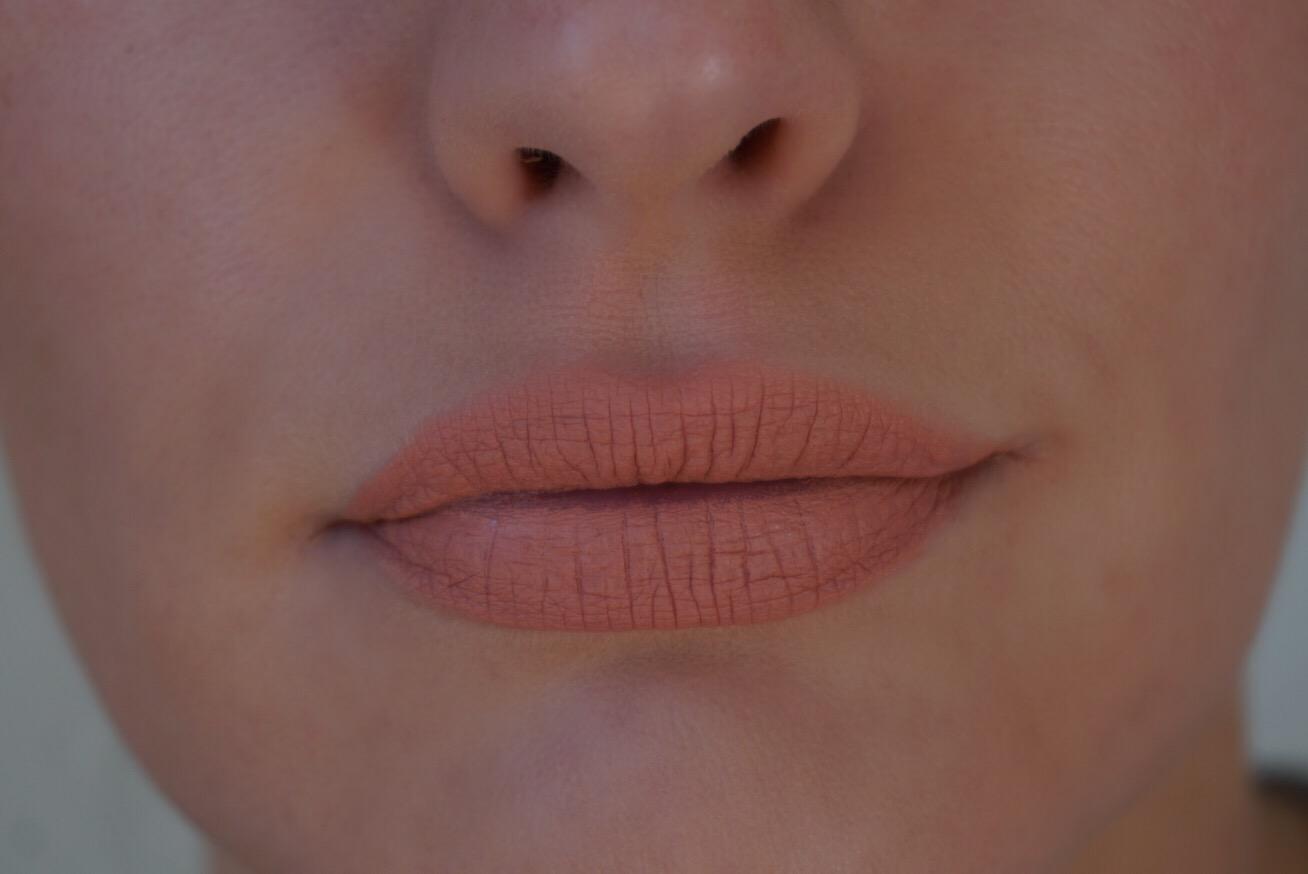 Jouer Lip Creme Swatch Crème Brûlée